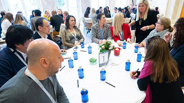 Mary Steadman mentoring rountables on the power of personal service within luxury travel